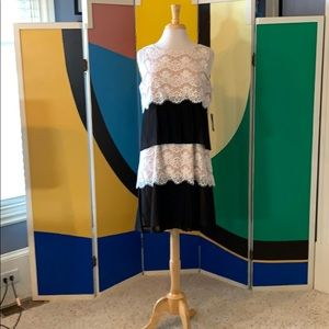 NWT Jessica Simpson ivory lace/ blk pleat dress